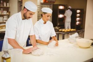 Weniger Rückenschmerzen bei der Arbeit in Bäckereien, Metzgereien und Blumenläden mit Isoloc Arbeitsplatzmatten